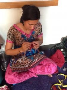 mujeres trabajando en el centro